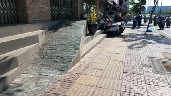 Người dân TP.HCM khốn khổ vì đường thấp hơn nền nhà cả mét