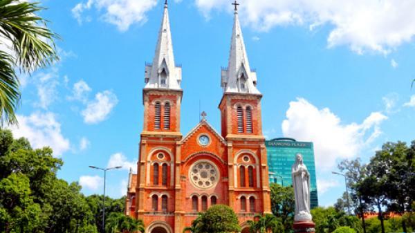 Tổng giáo phận TP HCM bị mạo danh quyên tiền trùng tu Nhà thờ Đức Bà
