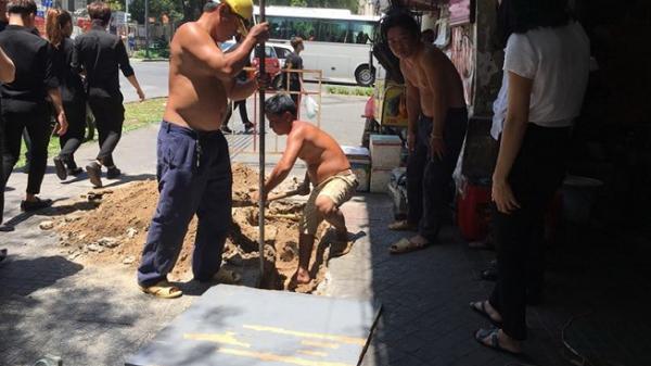 Dân Sài Gòn khổ sở vì cúp nước đột ngột giữa mùa nắng