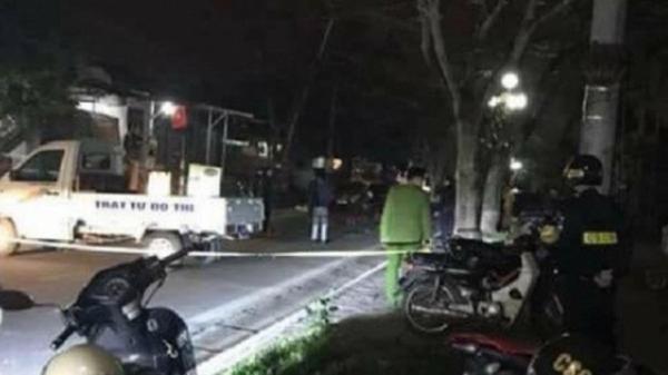 Ngồi tâm sự trong công viên, thanh niên 22 tuổi bị nhóm đối tượng đâm tử vong ở Sài Gòn