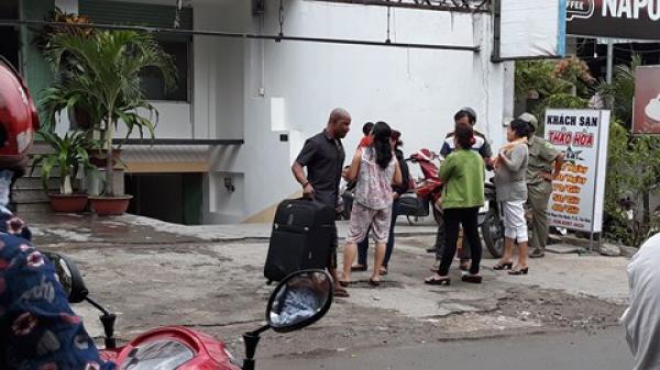 TP.HCM: Cháy khách sạn, khách Tây nháo nhào ôm vali tháo chạy