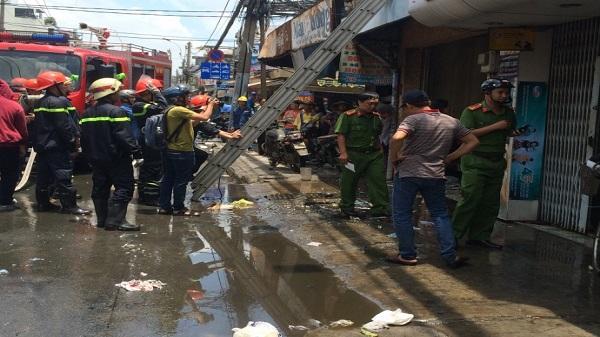 TP. HCM: Lửa bùng phát dữ dội tại căn nhà ở Q.Phú Nhuận