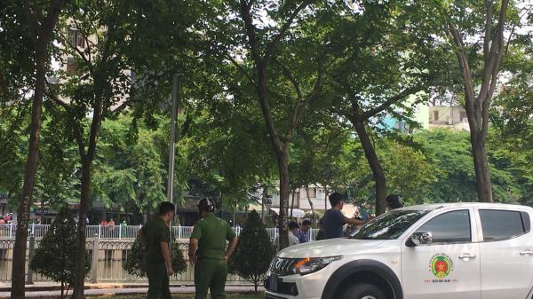 """Nhân chứng vụ cô giáo bị đồng nghiệp đâm tử vong ở Sài Gòn: """"Nam thanh niên chạy SH, ép xe cô gái rồi rút hung khí đâm liên tiếp"""""""