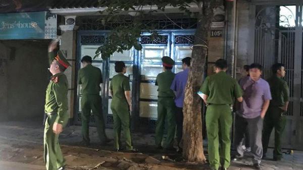 Nhóm thanh niên đâm chết người đàn ông trước mặt cháu ngoại ở Sài Gòn