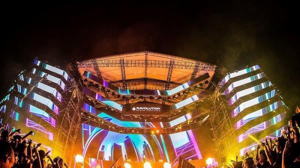 'Quẫy' miễn phí với DJ quốc tế ở phố đi bộ Nguyễn Huệ