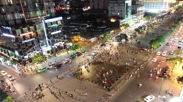 Đề xuất xây các quầy ẩm thực, lưu niệm trên phố Nguyễn Huệ