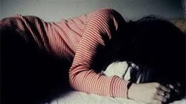 Thiếu nữ 15 tuổi nhậu xỉn bị bạn hiếp dâm cả đêm
