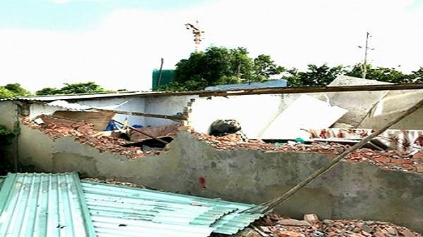 TP. HCM: Hơn 20 'giang hồ' xông vào đập phá dãy nhà trọ của người dân