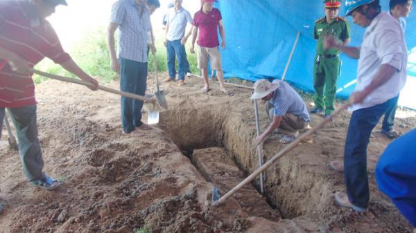 T.hi thể nữ kế toán huyện còn nguyên sau hơn 5 năm chôn cất