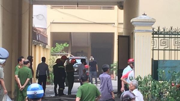 TP.HCM: Cháy lớn ở Liên đoàn bản đồ địa chất Việt Nam, nhiều người tháo chạy tán loạn