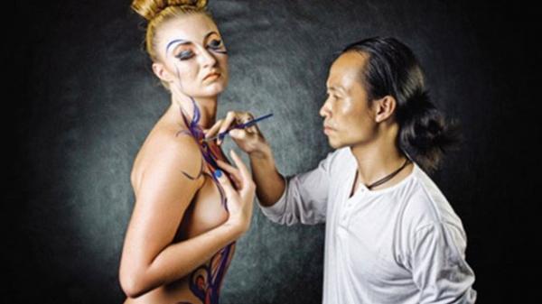 """Những tình tiết """"nóng"""" mẫu nude """"phản pháo"""" trong vụ tố họa sĩ painting nổi tiếng Sài Gòn hiếp dâm"""