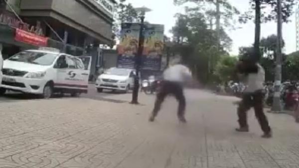 Chê cuốc taxi ngắn, tài xế đánh nhân viên điều hành chảy máu đầu