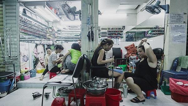 Hẻm nail giá rẻ hút khách nước ngoài ở trung tâm Sài Gòn