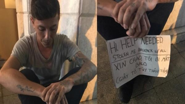 Một anh Tây ngồi xin tiền ở Sài Gòn vì mất ví nhưng lại không muốn đến Đại sứ quán tìm sự giúp đỡ
