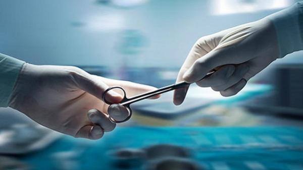 Bác sĩ răng hàm mặt phẫu thuật nâng ngực, thai phụ tử vong