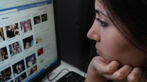 Đăng quá nhiều ảnh lên Facebook có thể là dấu hiệu trầm cảm?