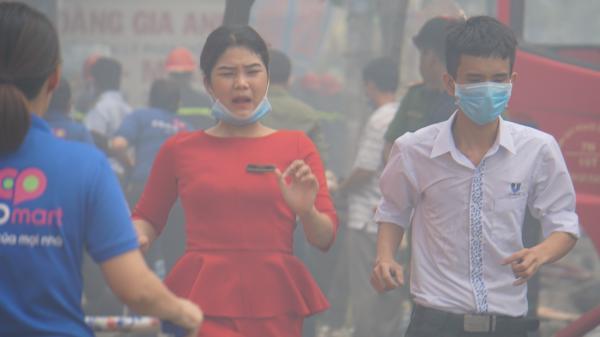 TP.HCM: Đang cháy lớn gần Coopmart Trường Chinh, kẹt xe kéo dài hàng cây số