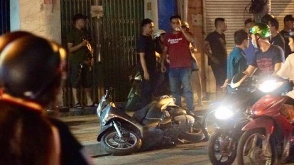 Cô gái tuổi teen lao xe hạ gục hai tên cướp ở Sài Gòn