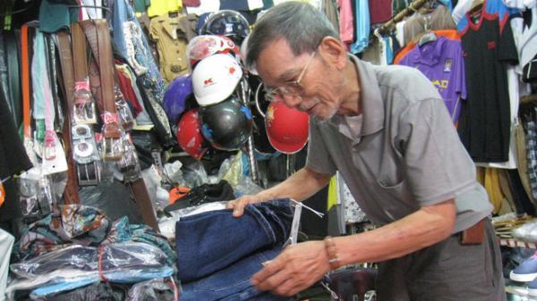 """Con dâu NSƯT Trần Hạnh: """"Ông ra ngồi cửa hàng như thú vui sao có thể gọi là mưu sinh được"""""""