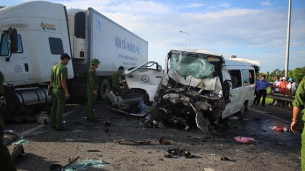 """Vụ ô tô rước dâu gặp tai nạn thảm khốc: """"Tôi đã cố hết sức tránh, họ lao vào xe tôi"""""""