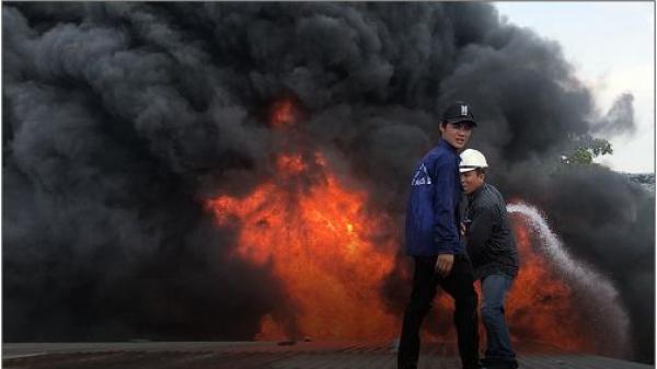 TP.HCM: Cận cảnh hiện trường sau vụ cháy nhà xưởng khu công nghiệp