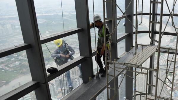 Người Việt thầm lặng trên nóc tòa tháp 81 tầng ở Sài Gòn