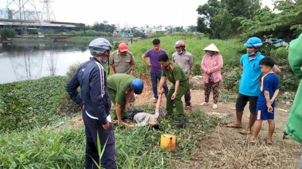 TP HCM: Thanh niên ăn trộm nắp cống bị truy đuổi, nhảy xuống sông để tháo chạy vẫn không thoát