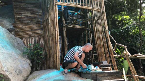 Chàng đạo diễn Sài Gòn 2 năm thử sống không cần tiền trên đảo vắng