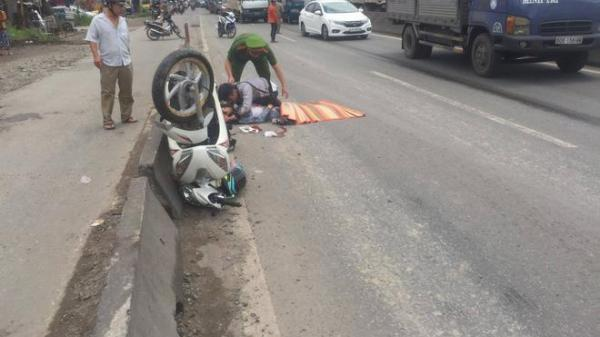 TP.HCM: Nam thanh niên ngã quỵ, hối hận chứng kiến phút người yêu chết dưới gầm xe tải