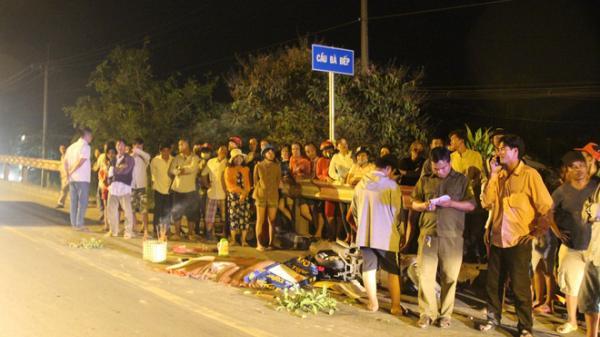 TP.HCM: Người phụ nữ bị cán qua người tử vong, người dân đuổi chặn xe tải gây nạn