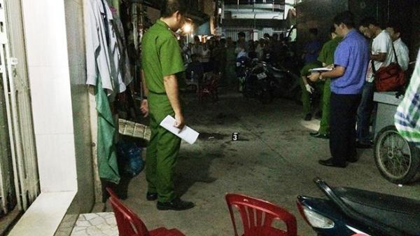 2 cha con bị chém trọng thương bằng búa, nằm thoi thóp trong căn nhà ở TP.HCM