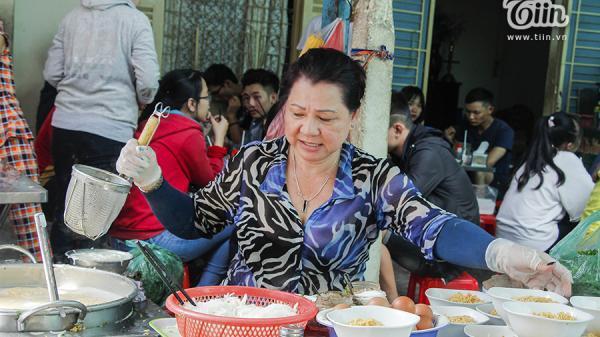 Quán bún cô Huyền khét tiếng ở Sài Gòn: Bị gọi là quán bún chửi, bà chủ nói gì?