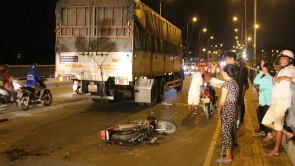 TP.HCM: Trên đường về nhà, nam phụ hồ gặp tai nạn, bị nát 2 chân