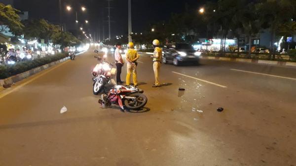 Nam thanh niên kéo lê CSGT hơn chục mét trên đại lộ Sài Gòn