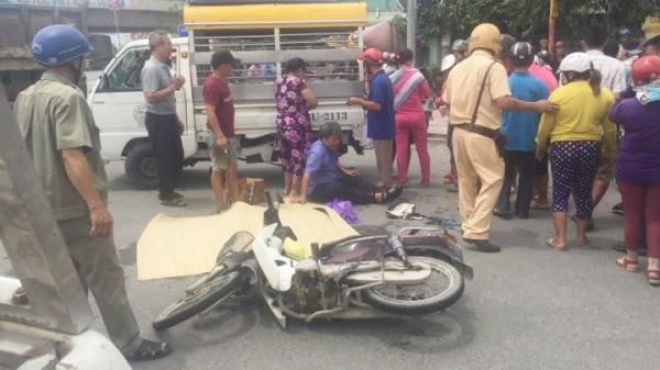 Cha ôm thi thể con trai gào khóc giữa đường phố Sài Gòn sau va chạm với xe ben