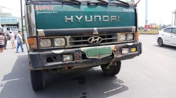 TP.HCM: Nam thanh niên dùng sơn xịt kín biển số sau khi gây tai nạn