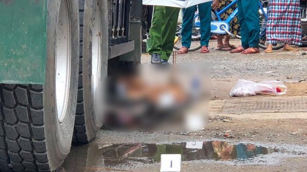 TP. HCM: Tông chết bé gái lớp 4 sau khi tan trường, người của nhà xe thản nhiên dùng sơn phun che biển số