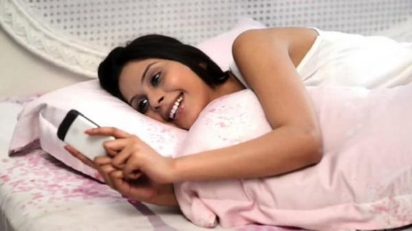 5 việc làm tai hại khi dùng điện thoại mà giới trẻ cần sửa ngay lập tức