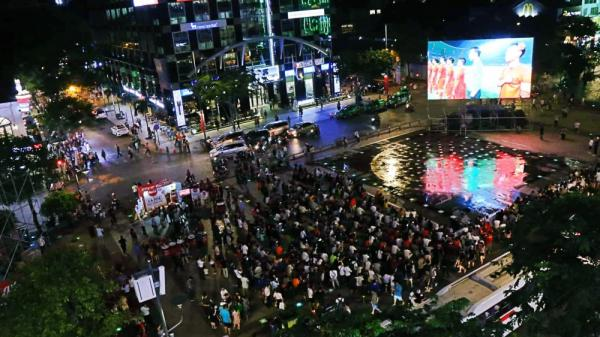 Cảnh sát siết chặt an ninh các tuyến đường trung tâm Sài Gòn trong thời gian Olympic Việt Nam đá tứ kết ASIAD