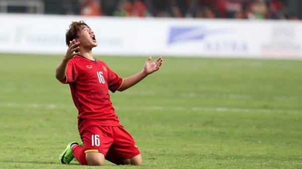 Niềm đam mê bóng đá đến 'quên lối về' và nỗi đau không được về chịu tang cha của cầu thủ Minh Vương