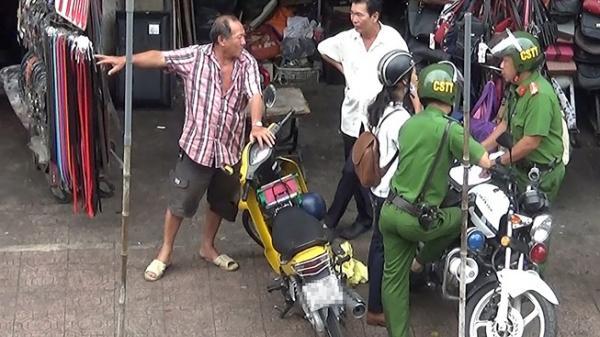 TP.HCM: Những chủ sạp 'quyền lực' của tổ cảnh sát ở chợ Bà Chiểu