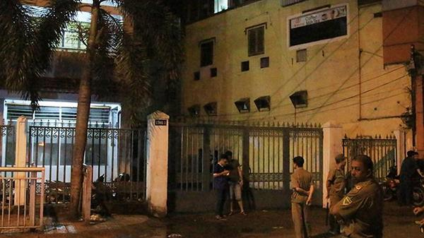 Dân mạng đồn thổi chuyện nam sinh Sài Gòn rơi lầu tử vong do thất tình?
