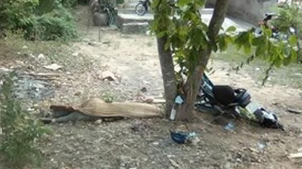 Người đàn ông Cà Mau tử vong sau khi xe lao vào gốc cây