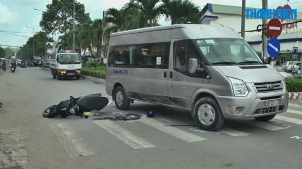 Trà Vinh: Xe máy va chạm với ô tô khách, người phụ nữ chết thảm
