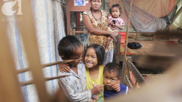 Hai lần đẻ rớt tại nhà, 4 đứa trẻ đói ăn bên người mẹ bầu 8 tháng ở Trà Vinh không thể mượn được 500 ngàn để đi bệnh viện