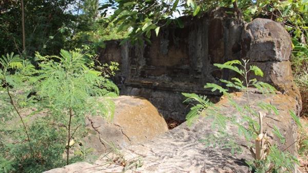Trà Vinh: Ngôi mộ cổ bí ẩn hàng trăm năm chờ giải mã