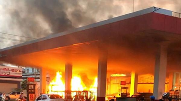 Nghi can gây cháy cây xăng ở Sài Gòn là thợ khoan bêtông