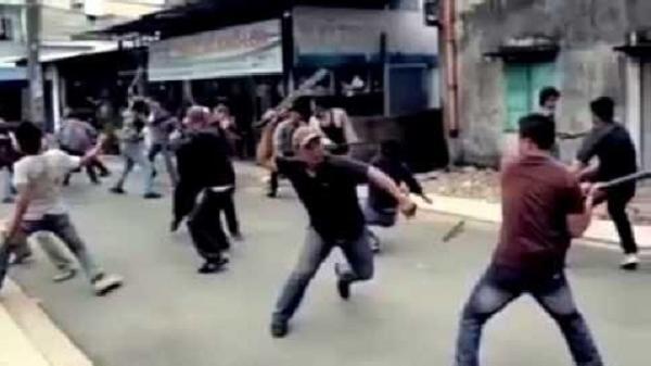 Một người bị chém nhầm trong vụ hỗn chiến giữa 2 nhóm