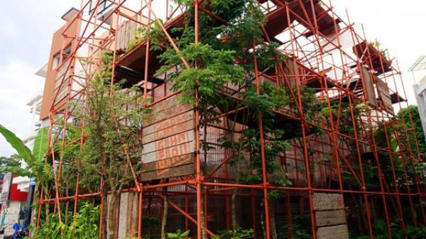 Kỳ lạ quán cafe như công trình đang xây dựng ở Sài Gòn: Đầu tư 2 tỷ, dự đoán tuổi thọ chỉ... 10 năm
