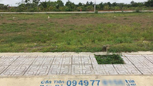 TP Hồ Chí Minh siết vốn, kìm chân môi giới đất để ngăn bong bóng phân khúc đất nền